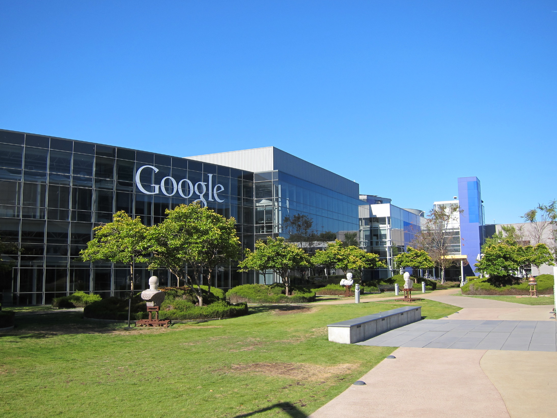googleplex photo essay Times online edition has compiled a photo essay on life in the googleplex : inside google headquarters the googleplex is the google company headquarters, located in mountain view, santa clara county, california, near san francisco.